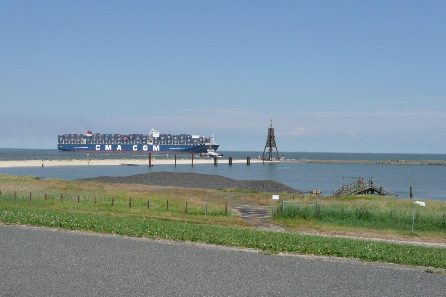 Containerschiff Kugelbake